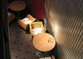 藤椅,圆桌,灯饰