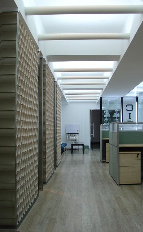 设计公司室内设计-隔墙天花办公桌办公空间天花顶棚