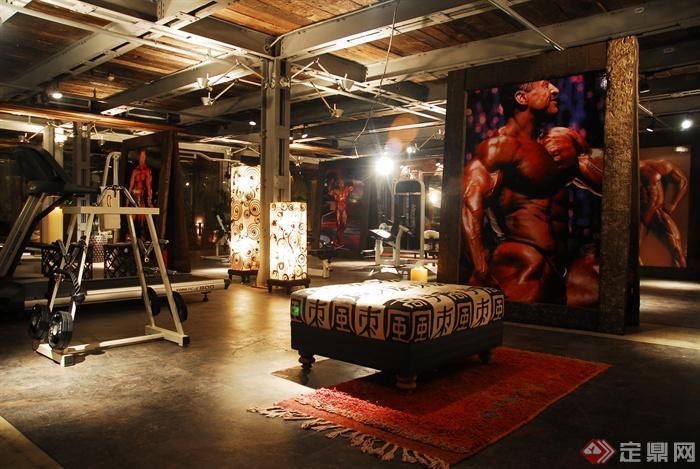 沙发凳,装饰画,健身器材,地毯