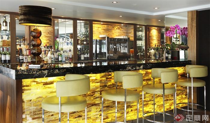 酒吧,高脚椅,酒柜,吧台,台灯