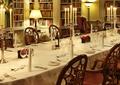 餐厅空间,餐桌椅,餐具,蜡烛
