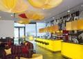 咖啡厅,柜台,灯饰,沙发茶几,形象墙