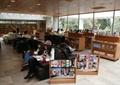 圖書室,書柜,書架,沙發,玻璃窗
