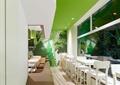 餐桌椅,长沙发,玻璃窗,过道,咖啡厅