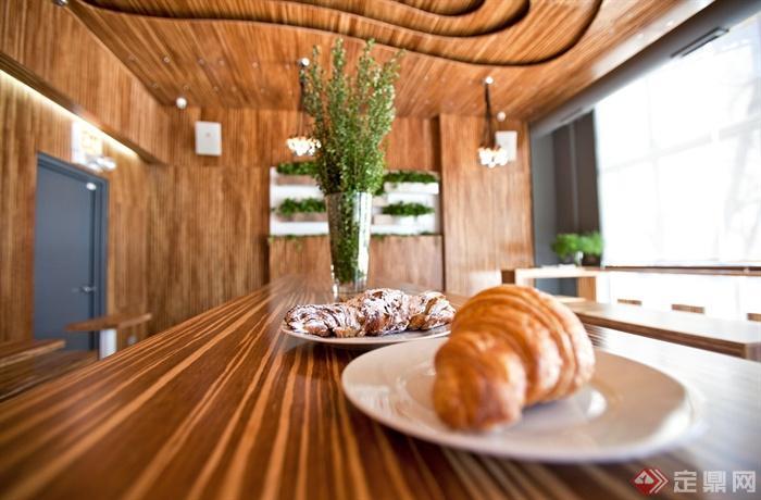 美国的咖啡街咖啡馆-面包盘子花瓶插花木质桌子-设计