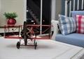 住宅空间,玩具飞机,桌子