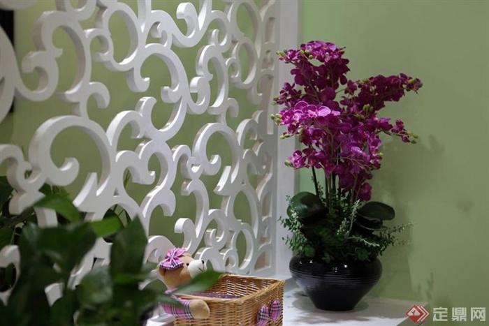 96㎡简约欧式3室住宅空间与庭院景观设计图-花瓶插花