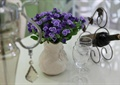 花瓶插花,杯子,酒瓶