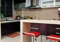 厨房,餐厅,吧台,椅子,橱柜
