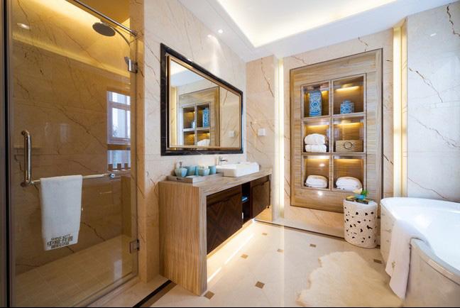 98宽敞两居室浴缸室内浴室-住宅图片储物柜室内设计里面图片