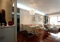 餐廳,客廳,餐桌椅,吊燈,沙發,椅子,背景墻