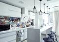 厨房,吊灯,橱柜,吧台,餐具,吧台椅