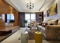 客厅,凳子,电视,电视柜,沙发茶几,窗帘布艺,花瓶插花
