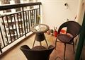 阳台,藤椅,茶几,栏杆