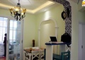 餐厅,吧台,吊灯,餐桌椅,背景墙,玻璃推拉门