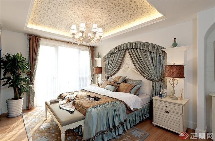 蓝白地中海复式住宅-卧室床边柜床脚凳台灯吊灯盆栽图片