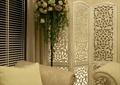 客厅,镂花屏风,插花花架,靠垫
