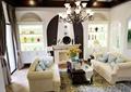 餐厅,沙发,茶几,花瓶插花,灯饰,陈设架,摆件