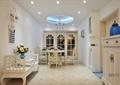 门厅,走道,罗汉床,花瓶插花,灯饰