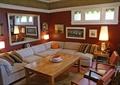 沙發,茶幾,椅子,背景墻,鏡子,燈具