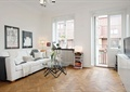 客厅,沙发,茶几,装饰画,窗子,背景墙