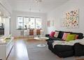 客厅,沙发,茶几,窗子,背景墙,壁画