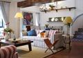 客厅,沙发,茶几,落地灯,台灯,吊灯,陈列架
