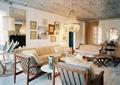 客厅,沙发,椅子,背景墙,灯饰,天花吊顶