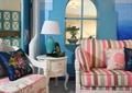 客廳,沙發,邊柜,臺燈,掛鐘