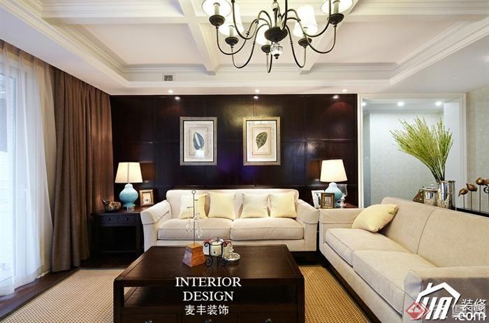 沙发背景墙装修实景图-客厅茶几沙发台灯背景墙装饰
