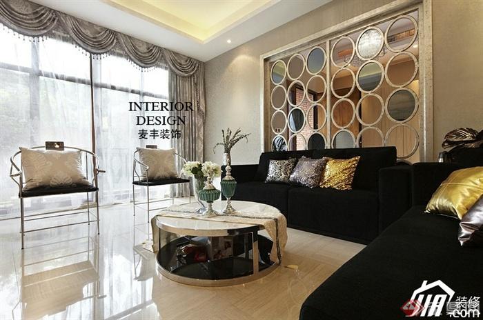 沙发背景墙装修实景图-客厅沙发茶几玻璃窗隔断墙