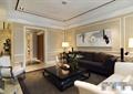客厅,沙发,茶几,单人沙发,装饰画,台灯