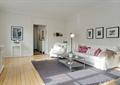 客厅,沙发,茶几,落地灯,装饰画,地毯