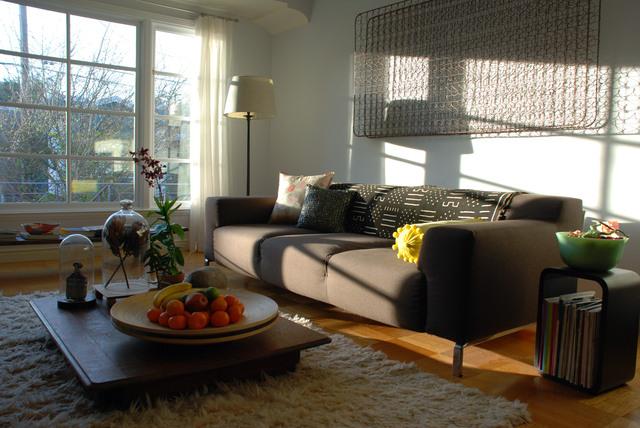 沙发背景墙装修效果图-客厅沙发茶几水果摆件背景墙