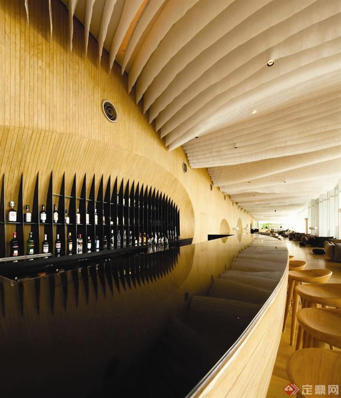 国外某酒店室内设计-酒店吧台吊顶酒柜-设计师图库