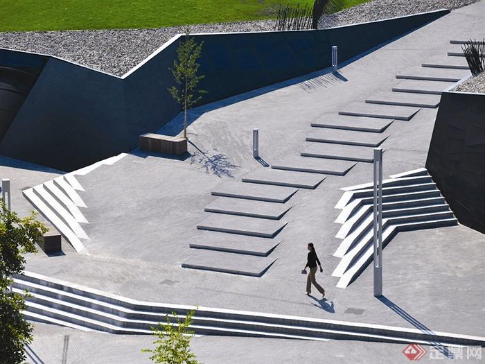 會所室內外設計實景圖-道路臺階坐凳樹池燈柱-設計師