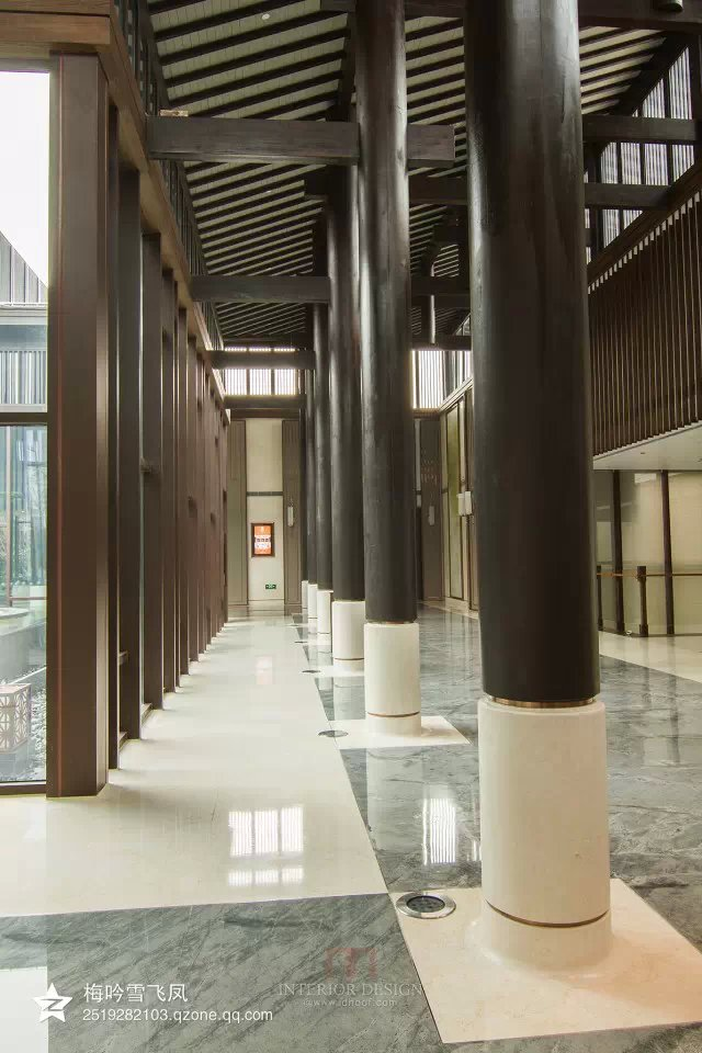 现代中式酒店会所方案,实景-会所圆形立柱-设计师图库图片