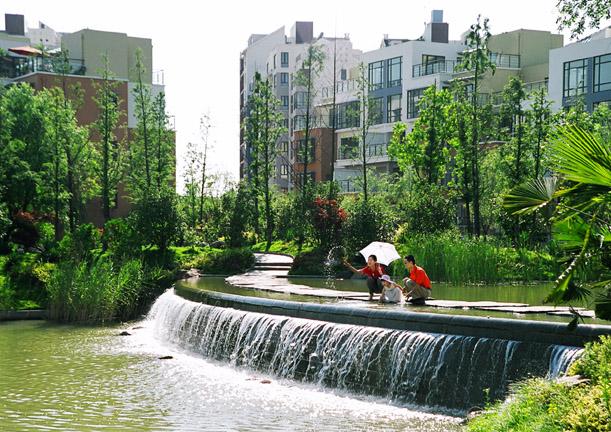 80张住宅景观实景图 跌水景观住宅景观 设计师图库图片