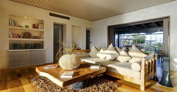 客厅,沙发,茶几,柜子,摆件