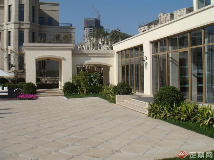 入口景观,地面铺装,花池,台阶