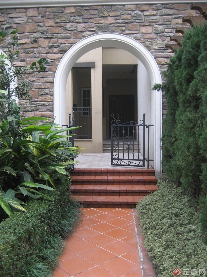 庭院景观,门,地面铺装,台阶,植物