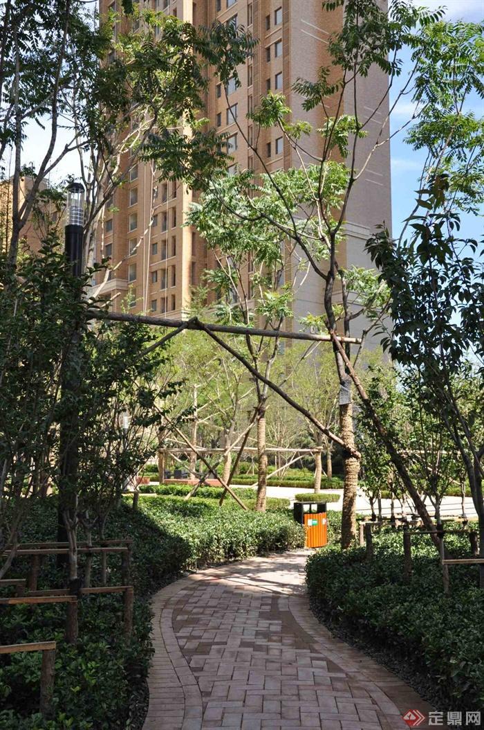 新古典风格小区景观-住宅景观铺装垃圾桶-设计师图库