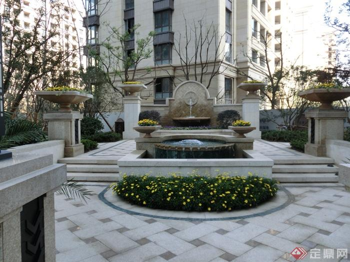 喷泉水景,跌水景观,景墙,花钵柱,花池,台阶,石材铺装图片