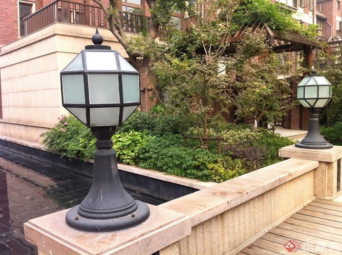 新古典風格小區景觀實景圖-庭院燈矮墻-設計師圖庫