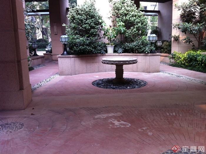 新古典風格小區景觀實景圖-水缽鋪裝庭院燈矮墻-設計