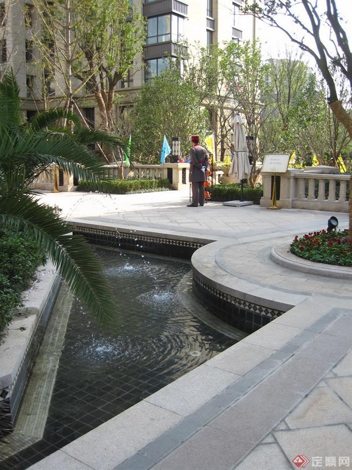 新古典风格小区景观实景图-喷泉水景花池景观水池-师