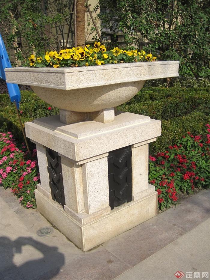 新古典风格小区景观实景图-花钵柱-设计师图库