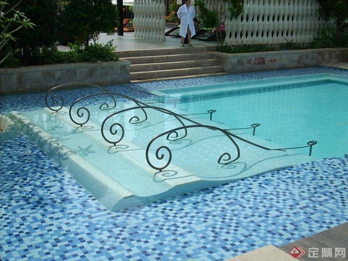 简欧风格小区景观-泳池铁艺护栏-设计师图库图片