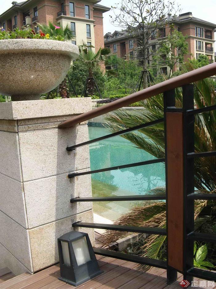 欧式住宅小区景观环境-栏杆花钵柱庭院灯-设计师图库图片