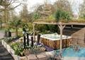 凉亭,花池,路灯,坐凳,花钵,屋顶绿化